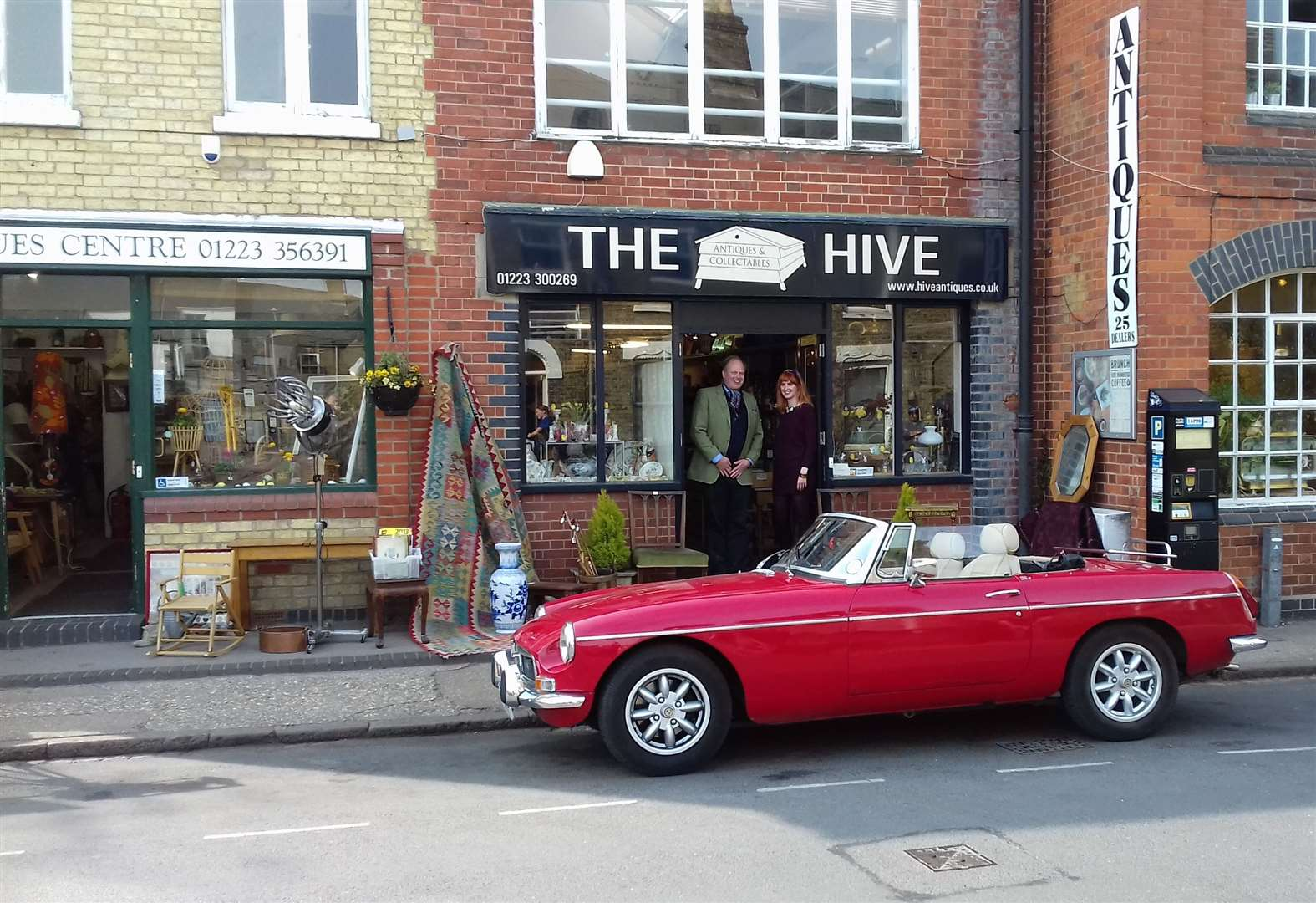 TV's Antiques Road Trip visit The Hive and Cambs Antique Centre