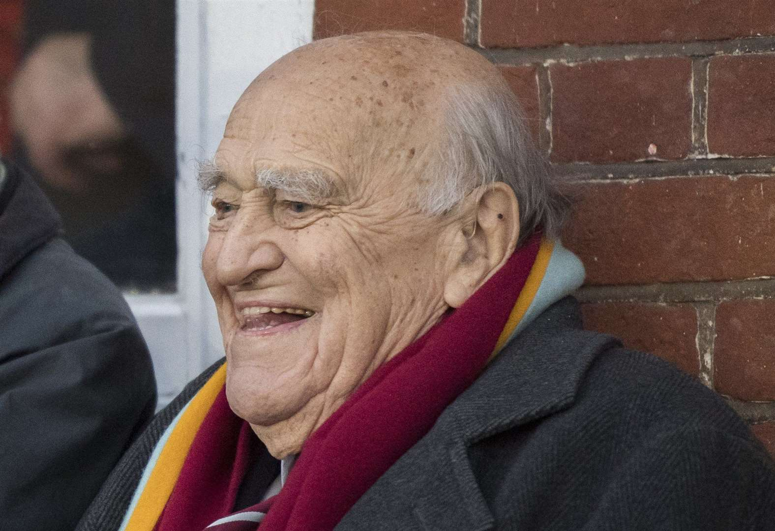 Cambridge University rugby great Micky Steele-Bodger dies aged 93