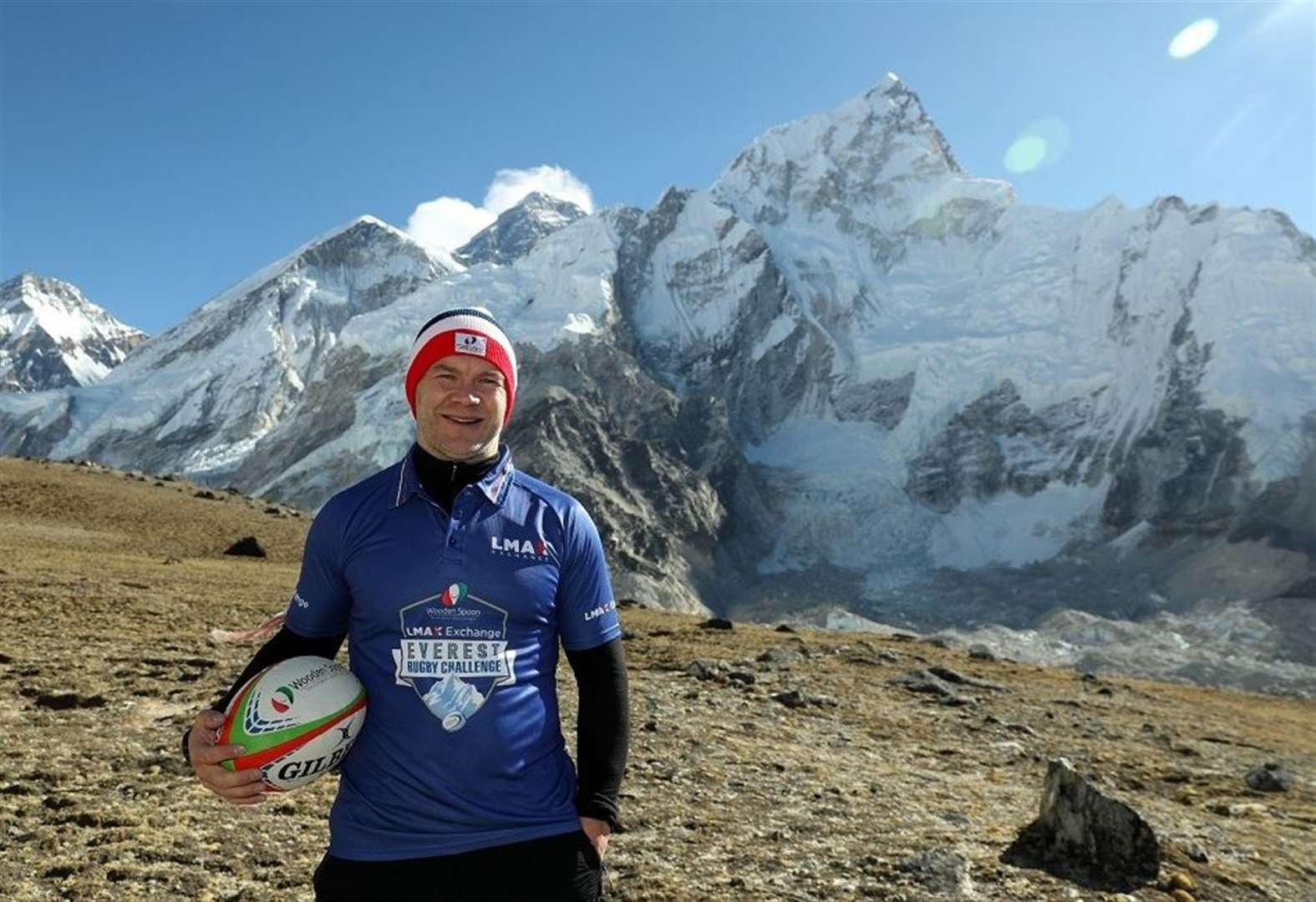 Former Cambridge University RUFC and England rugby sevens ace Ollie Phillips achieves record-breaking Mount Everest feat for Wooden Spoon