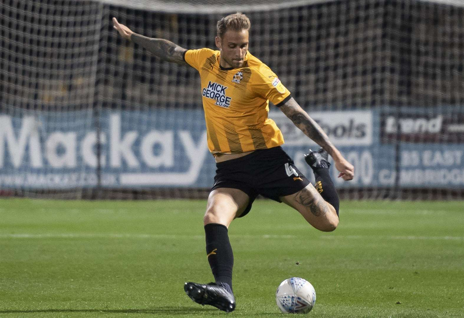 Cambridge United and Swindon Town fight out goalless draw at the Abbey Stadium.