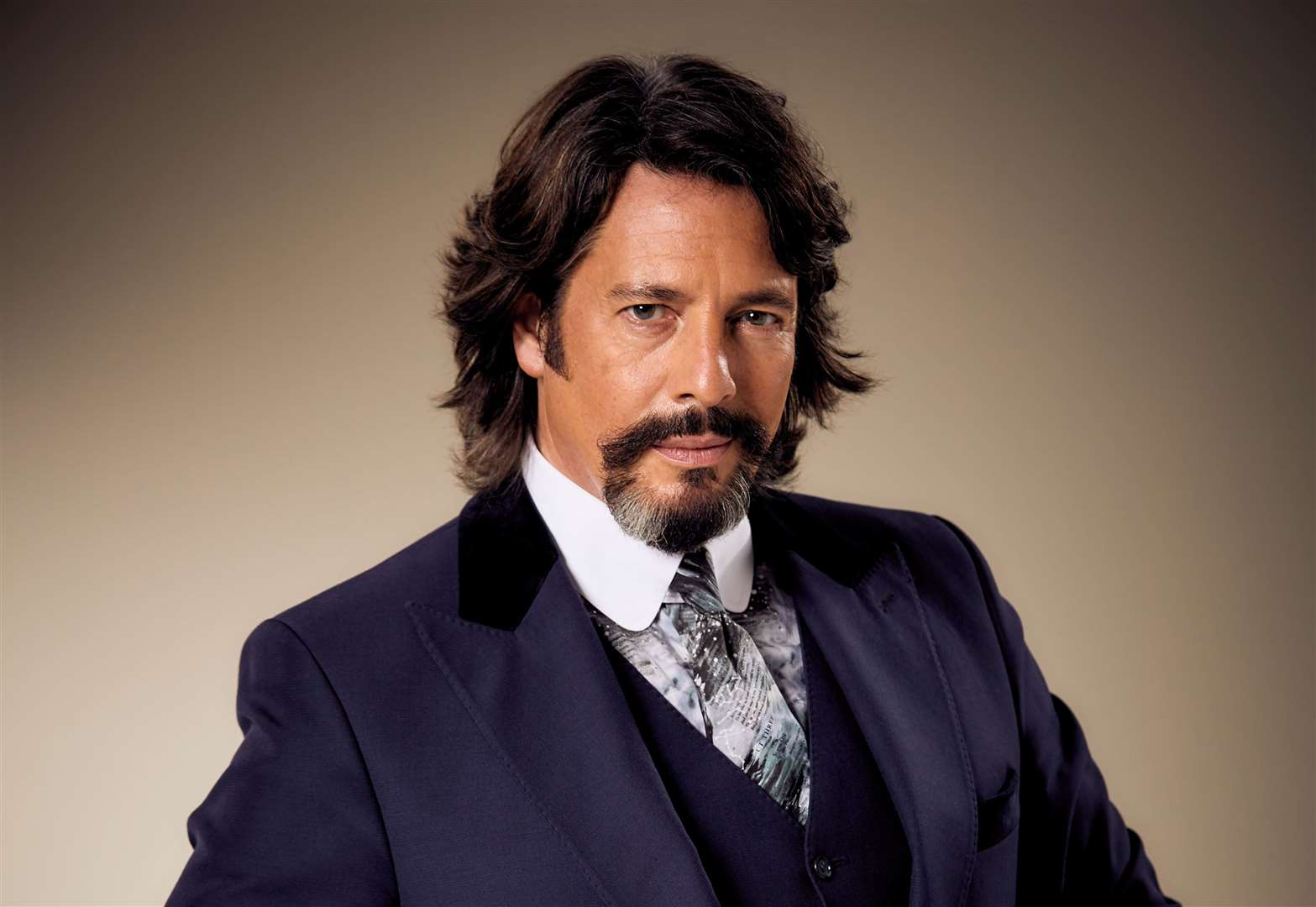 TV star Laurence Llewelyn Bowen to open new shop at The Grafton Centre