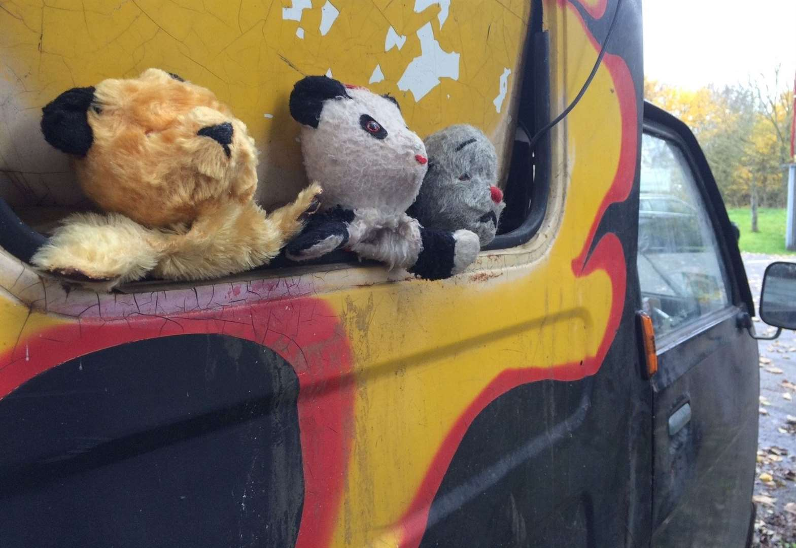 Cambridge man sells Sooty's TV van for more than £1,000