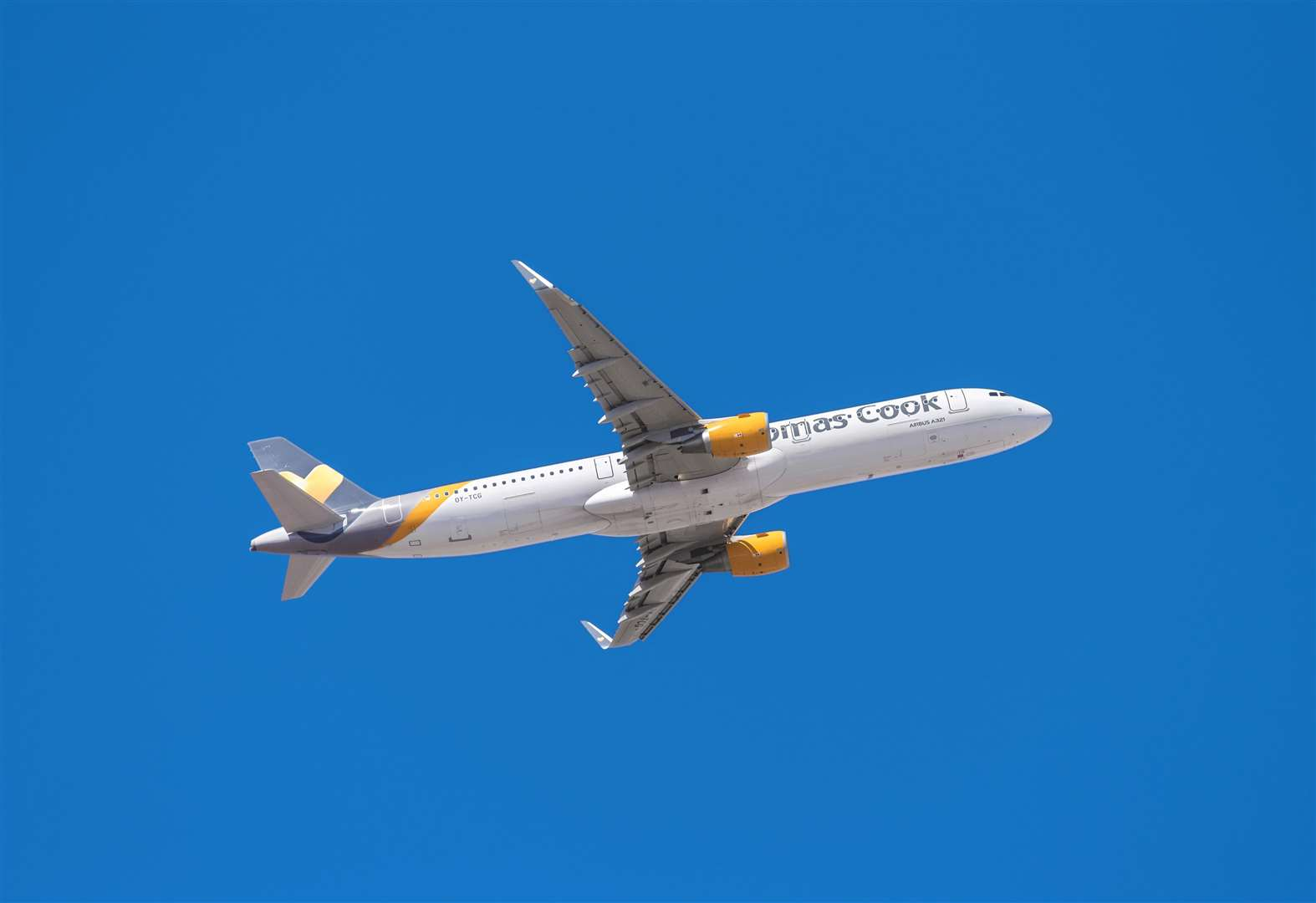 Holidaymakers wait for rescue after Thomas Cook goes bust