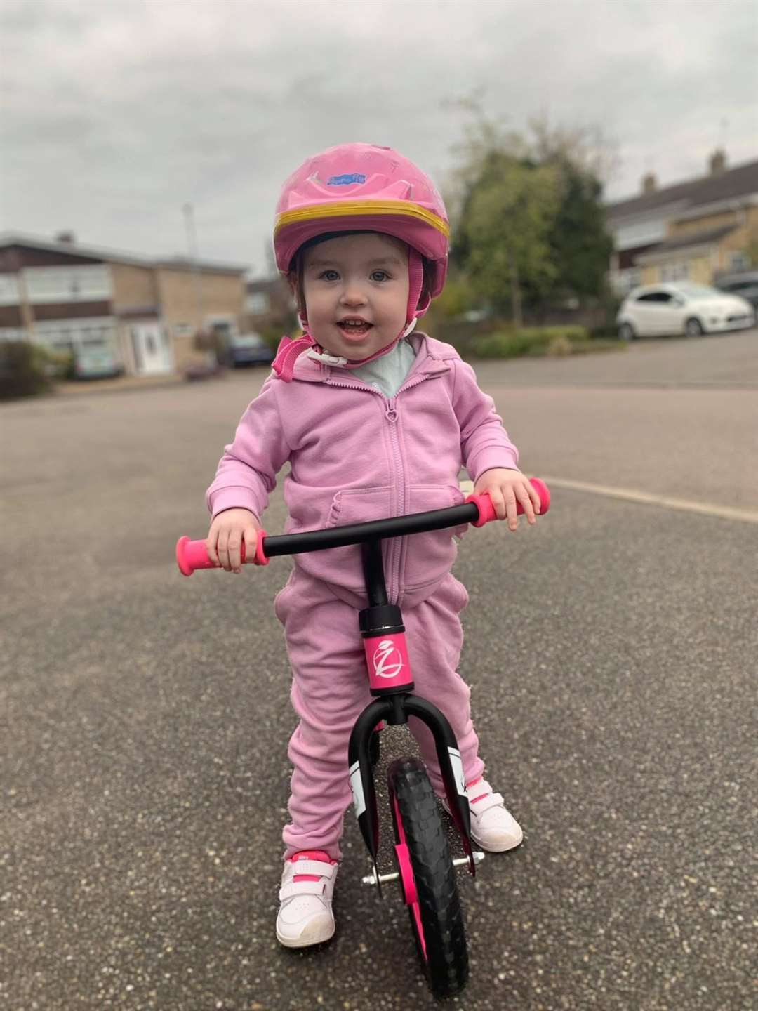 Molly Marsh, 2, on her bike ride for the NHS (34283936)