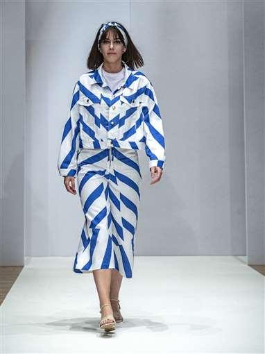 125 Images From Anglia Ruskin University S Cambridge School Of Art Graduate Fashion Show