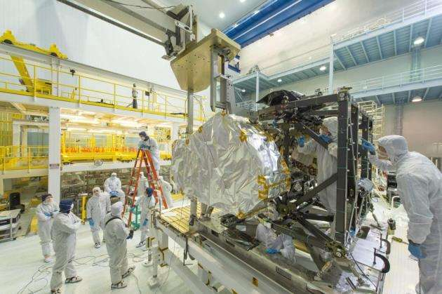 The James Webb Space Telescopes flight Near Infrared Spectrograph (NIRSpec) is installed into the instrument module. Picture: NASA/Chris Gunn