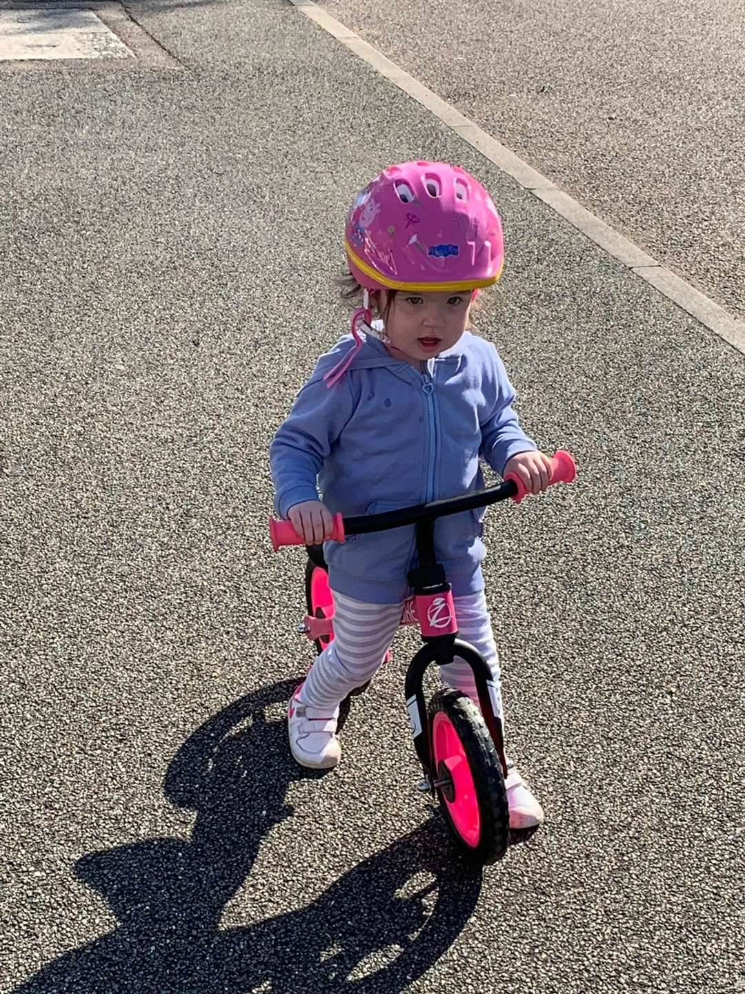 Molly Marsh, 2, on her bike ride for the NHS (34283940)