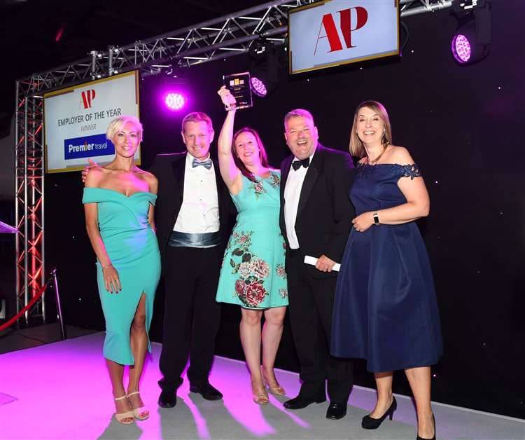 Premier Travel wins the Ann Pettengell Employer of the Year award at the SME Cambridgeshire Business Awards 2019 (13544688)