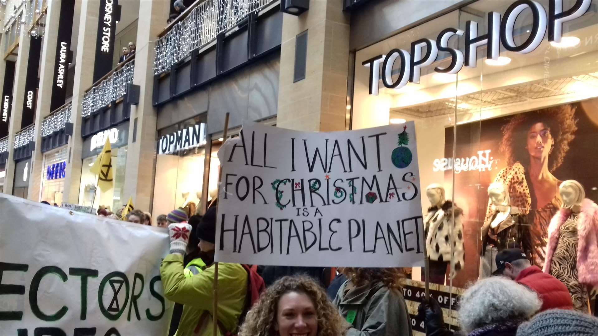 The mood was positive for the first Extinction Rebellion Day (6021009)