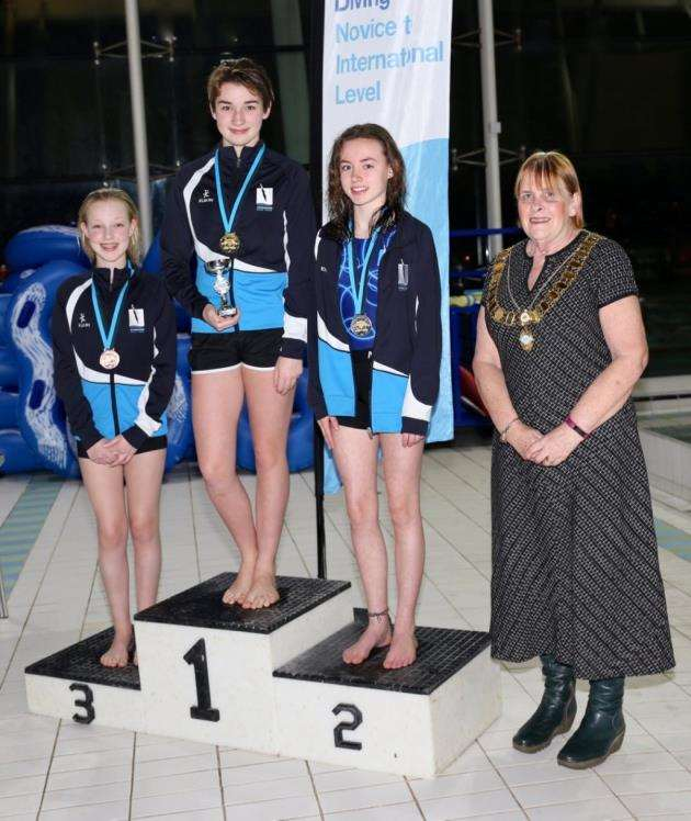 Cambridge Dive Teams Imogen Cowell, Autumn Cowell and Stella Monks, and Linda Davidson, president of the county swimming association.