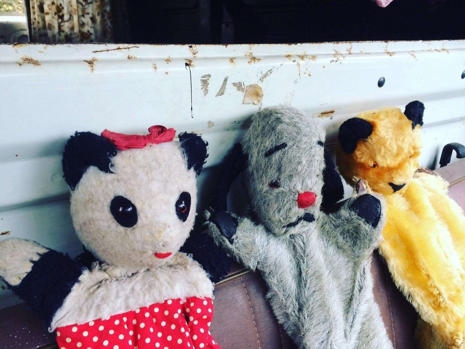 Vintage puppets Sooty, Sweep and Soo, given to a Yorkshire family by Harry Corbett, will also go under the hammer (21698940)