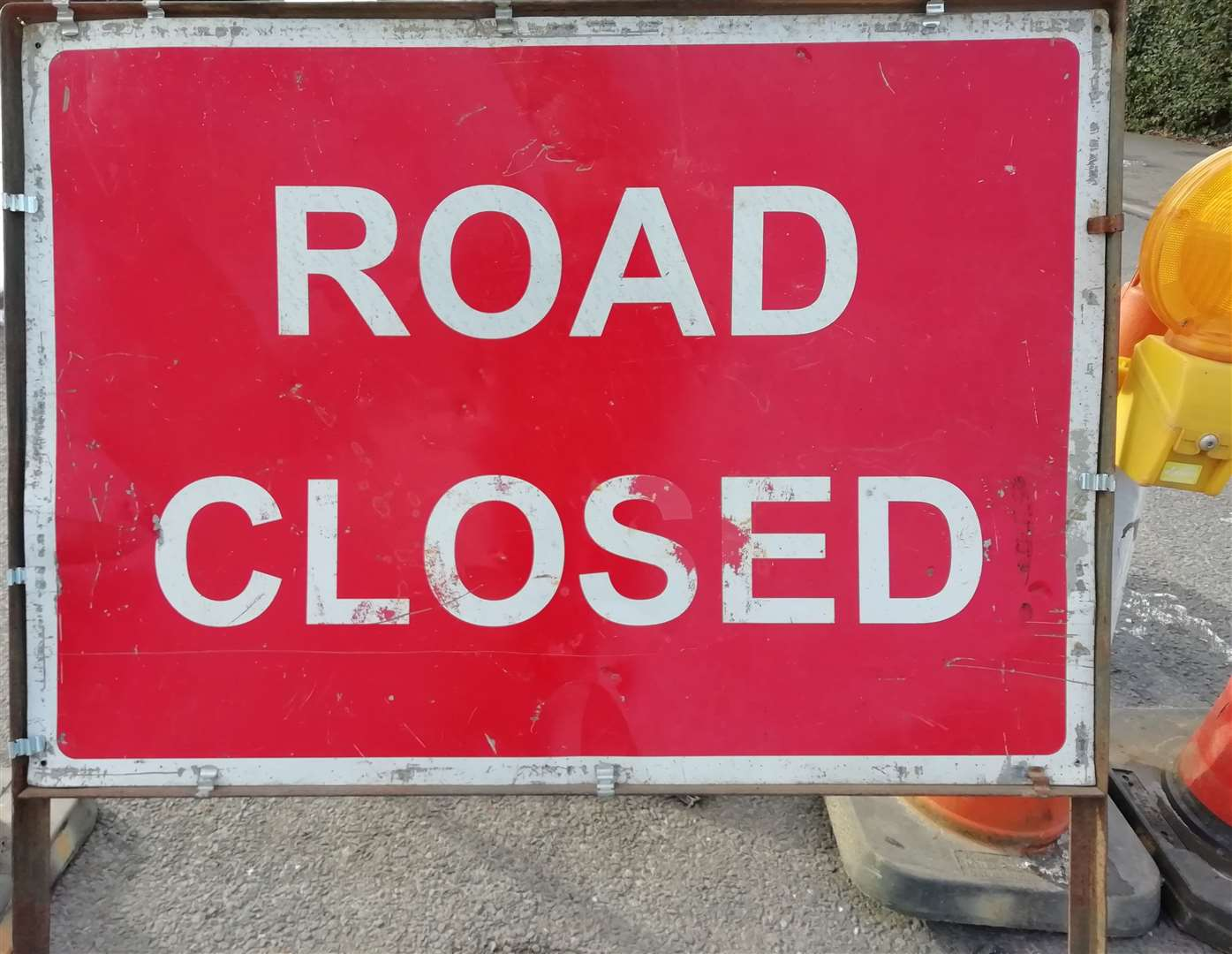 Drivers face lengthy diversion during East Road closure