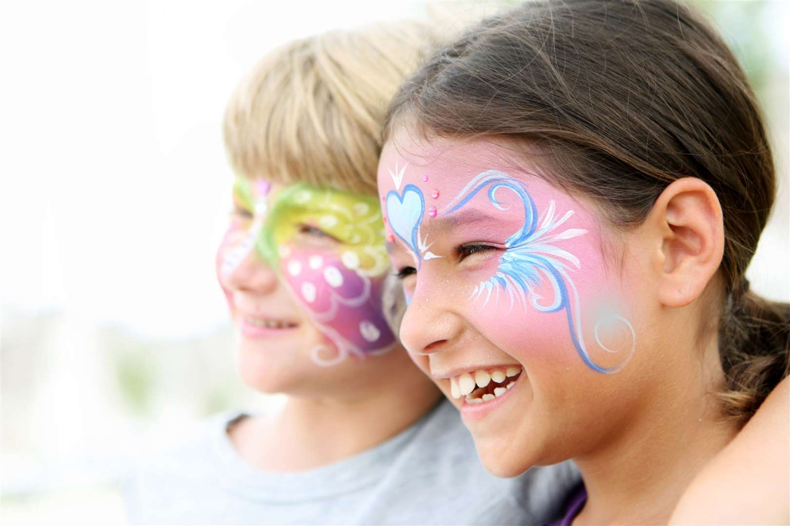 Face painted kids. (12301565)